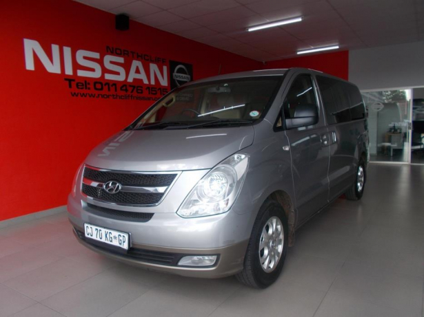 Hyundai H-1 2.4 2013 photo - 3