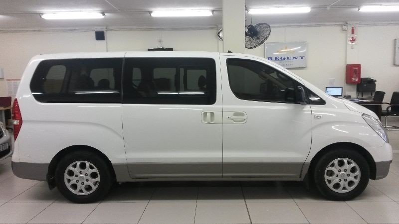 Hyundai H-1 2.4 2013 photo - 4