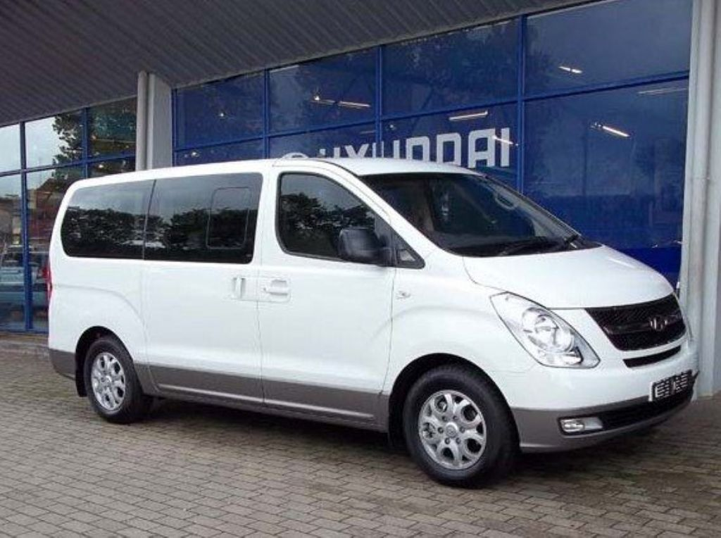 Hyundai H-1 2.4 2014 photo - 12