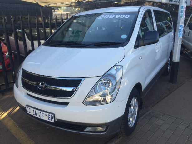Hyundai H-1 2.4 2014 photo - 3