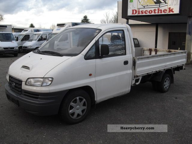 Hyundai H-1 2.5 1997 photo - 3