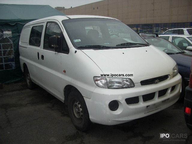 Hyundai H-1 2.5 1997 photo - 9