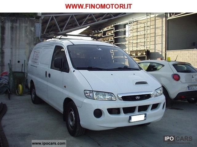 Hyundai H-1 2.5 2003 photo - 1