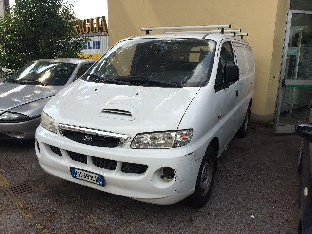Hyundai H-1 2.5 2003 photo - 7