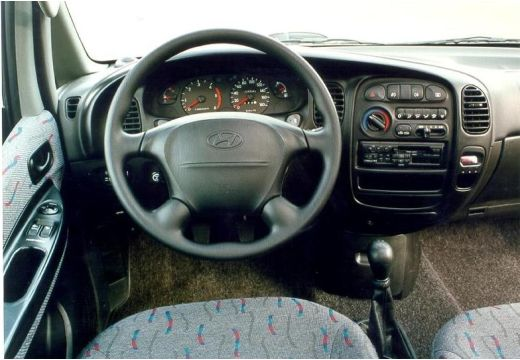 Hyundai H-1 2.5 2006 photo - 11
