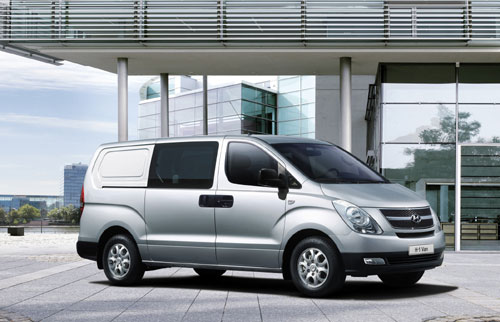 Hyundai H-1 2.5 2008 photo - 6