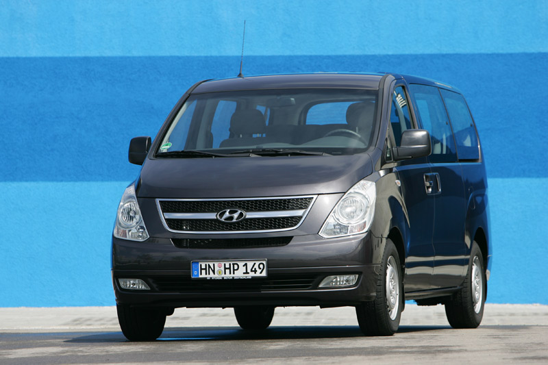 Hyundai H-1 2.5 2008 photo - 9