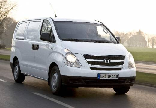 Hyundai H-1 2.5 2009 photo - 11