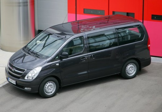 Hyundai H-1 2.5 2009 photo - 2