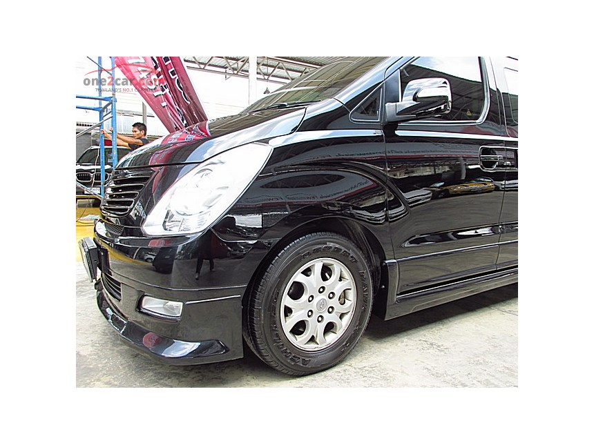 Hyundai H-1 2.5 2009 photo - 5