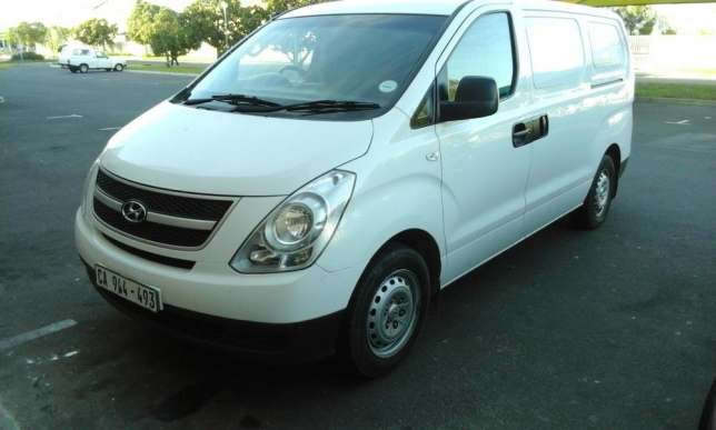 Hyundai H-1 2.5 2012 photo - 1