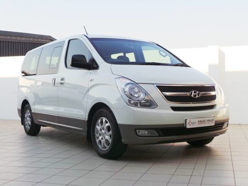 Hyundai H-1 2.5 2012 photo - 6