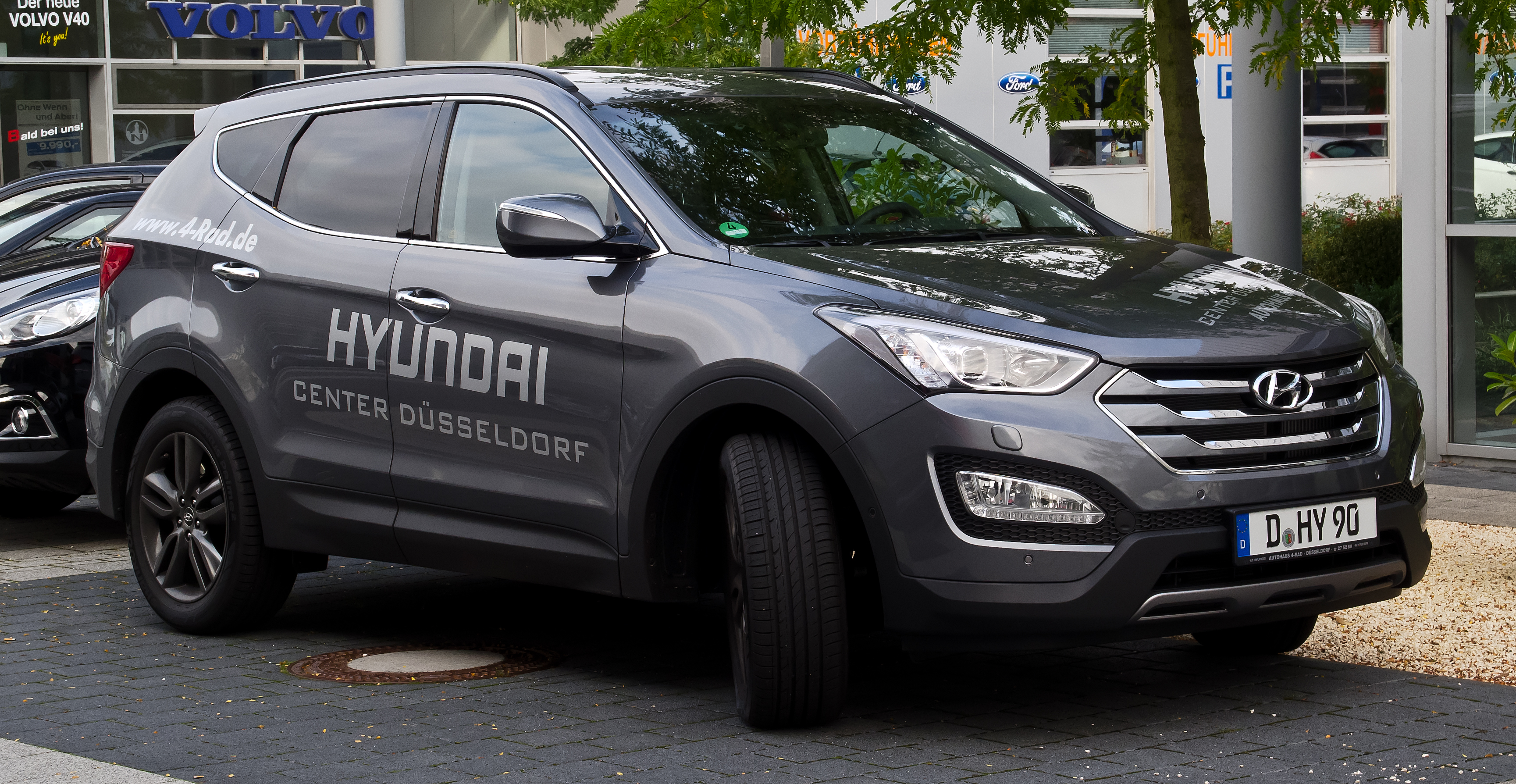 Hyundai Santa Fe 2.2 2012 photo - 3