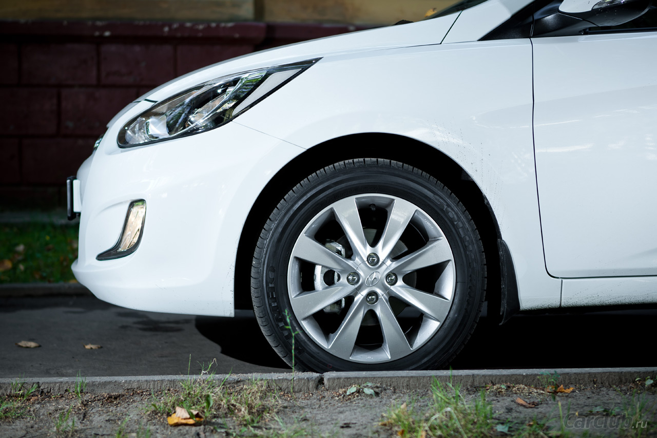 Hyundai Solaris 1.6 2012 photo - 12