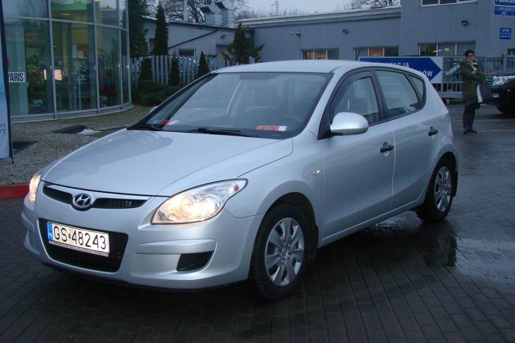 Hyundai i30 1.6 2008 photo - 9