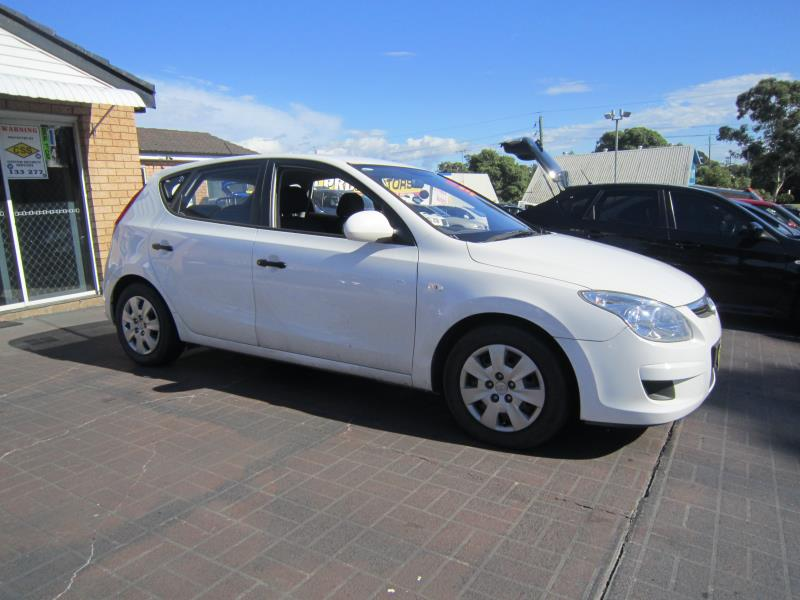 Hyundai i30 1.6 2009 photo - 4