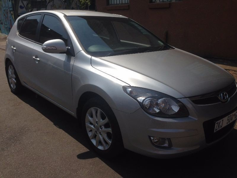 Hyundai i30 1.6 2010 photo - 10