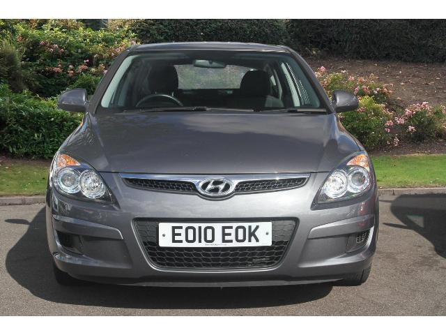 Hyundai i30 1.6 2010 photo - 8