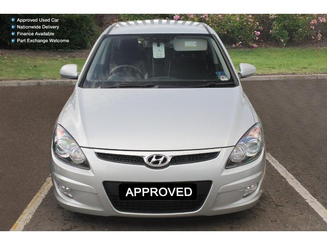 Hyundai i30 1.6 2010 photo - 9