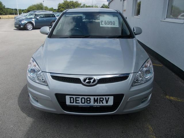 Hyundai i30 2.0 2008 photo - 6