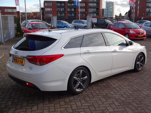 Hyundai i40 2.0 2013 photo - 11