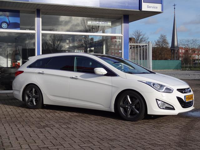Hyundai i40 2.0 2013 photo - 9