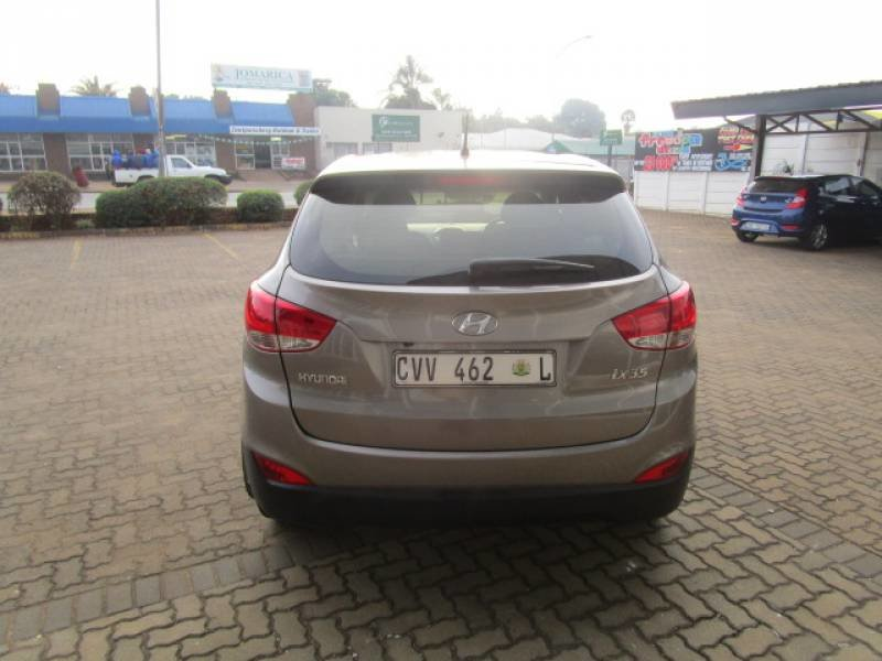 Hyundai ix35 2.0 2011 photo - 11