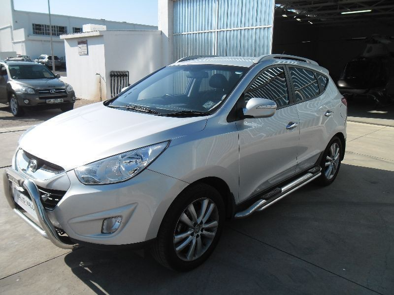 Hyundai ix35 2.0 2011 photo - 12