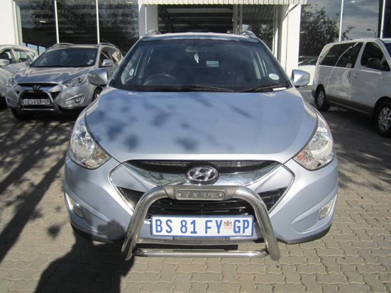 Hyundai ix35 2.0 2012 photo - 12
