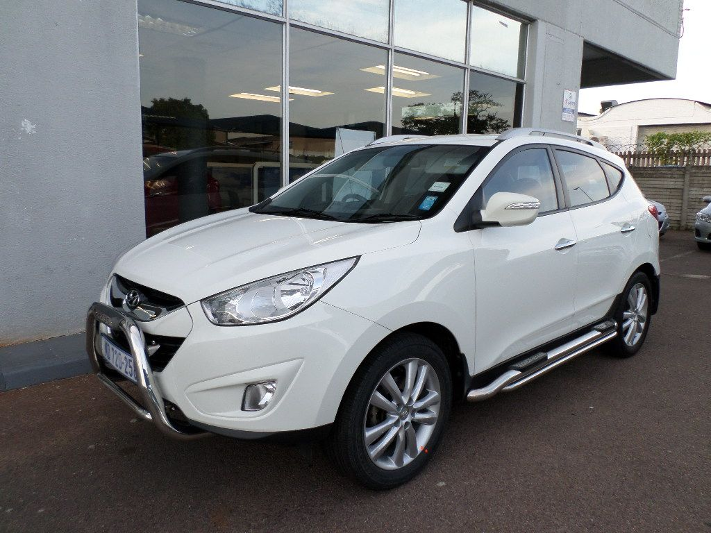 Hyundai ix35 2.0 2012 photo - 2