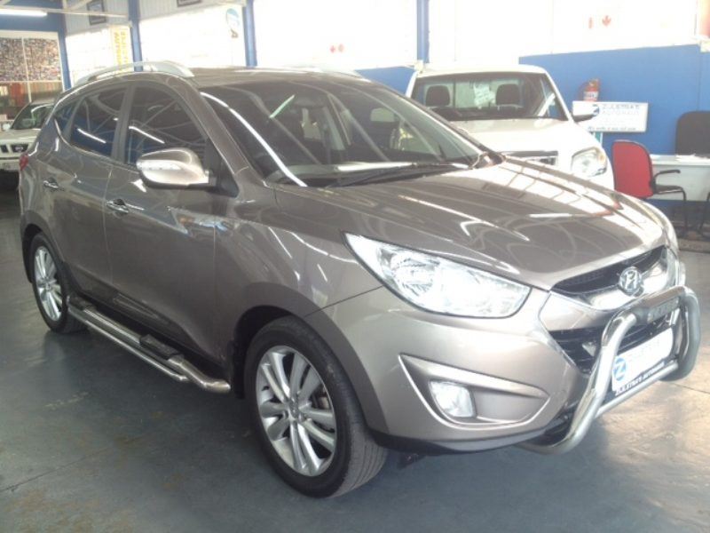 Hyundai ix35 2.0 2012 photo - 3