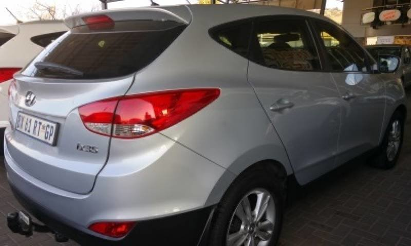 Hyundai ix35 2.0 2012 photo - 7