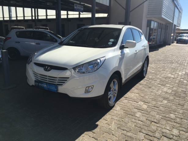 Hyundai ix35 2.0 2012 photo - 8
