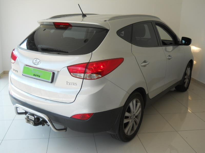 Hyundai ix35 2.0 2013 photo - 10