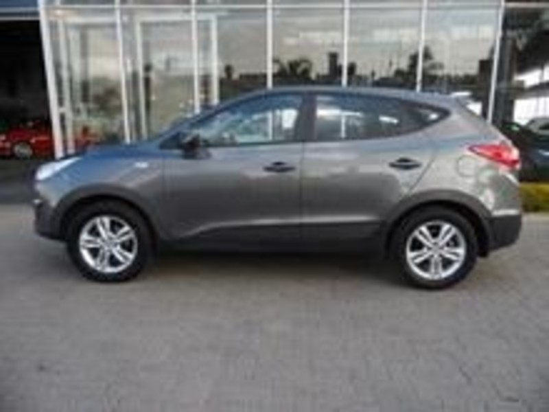 Hyundai ix35 2.0 2013 photo - 11