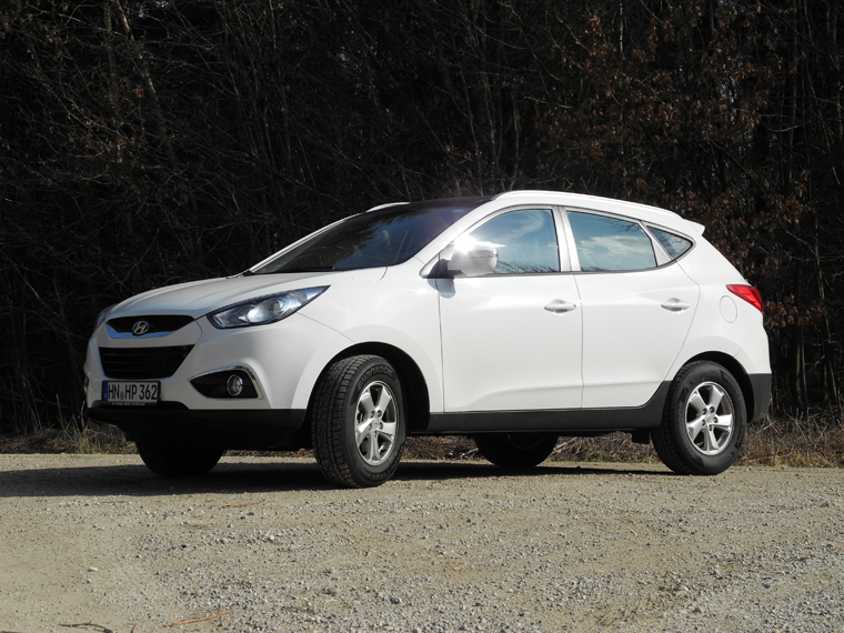 Hyundai ix35 2.0 2013 photo - 2