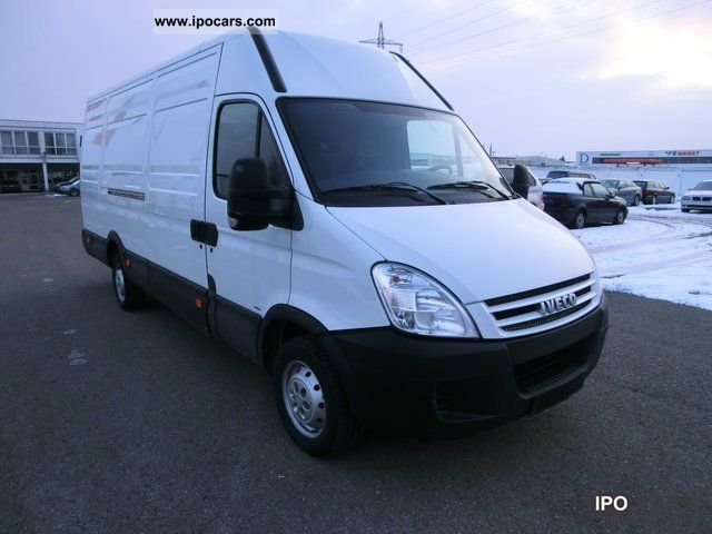 IVECO Daily 2.3 2011 photo - 10