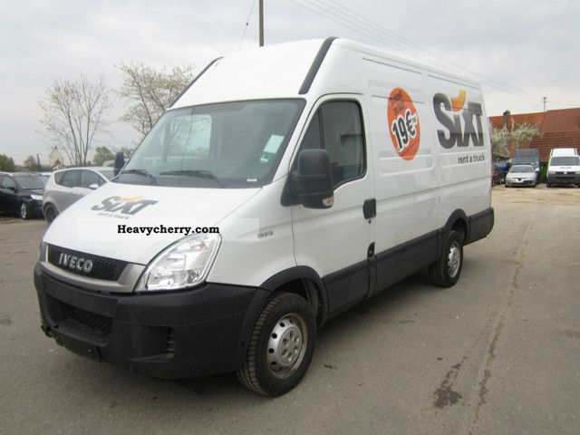 IVECO Daily 2.3 2011 photo - 5