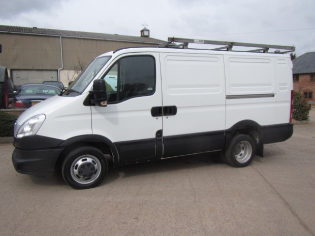 IVECO Daily 2.3 2012 photo - 3