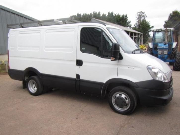 IVECO Daily 2.3 2012 photo - 6