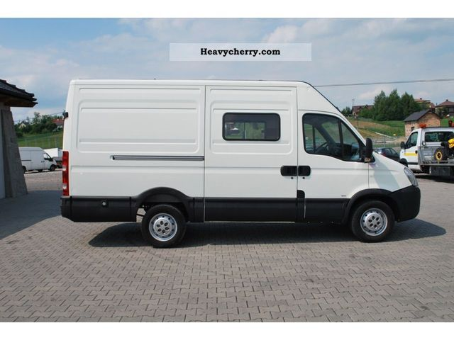 IVECO Daily 2.3 2012 photo - 7