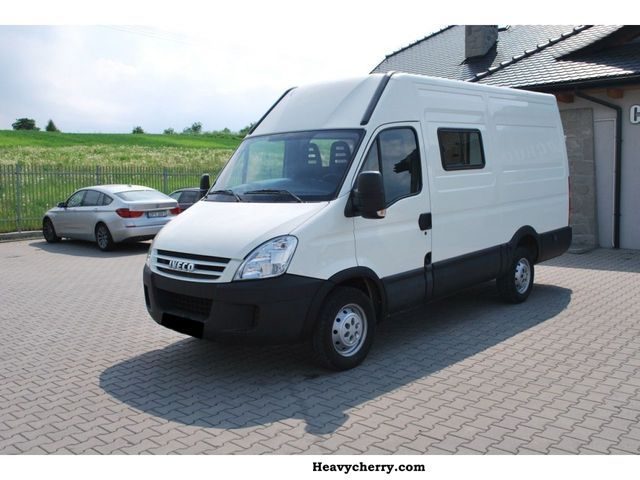 IVECO Daily 2.3 2012 photo - 8