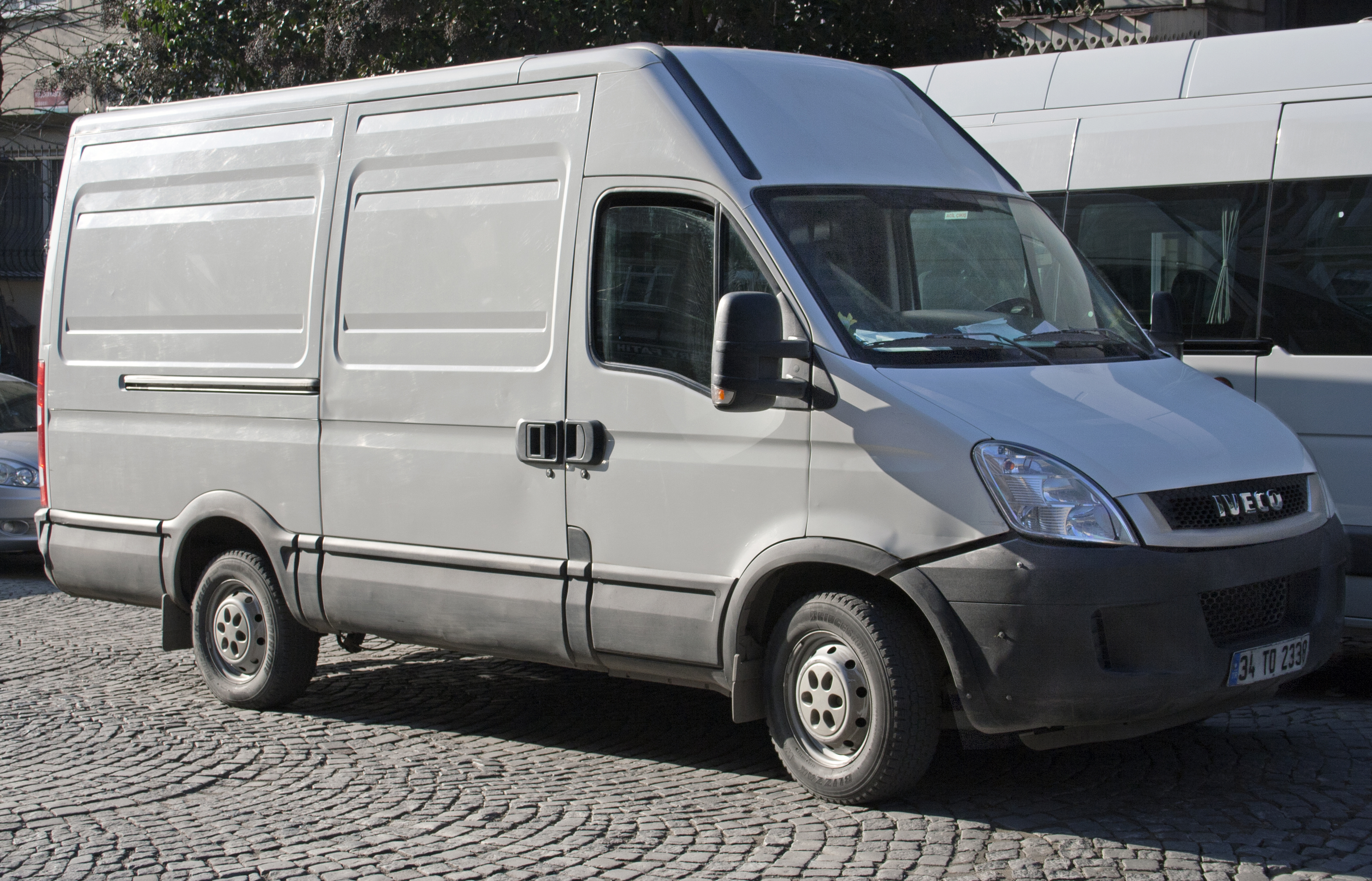 IVECO Daily 2.3 2013 photo - 1