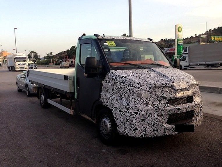 IVECO Daily 2.3 2014 photo - 4