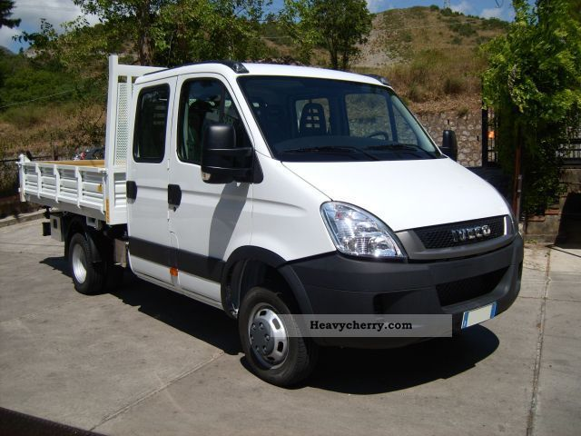 IVECO Daily 3.0 2011 photo - 11