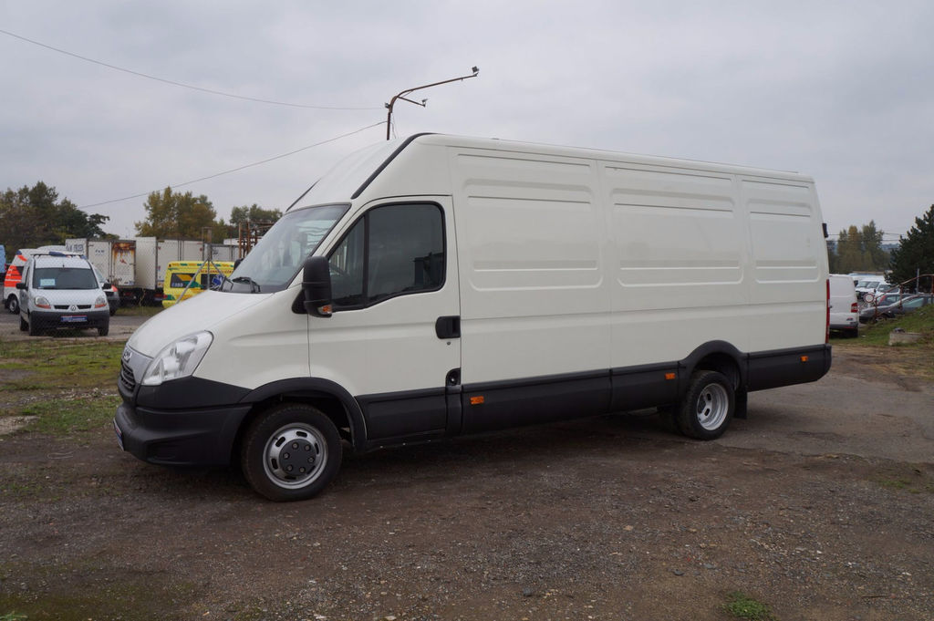 IVECO Daily 3.0 2012 photo - 7