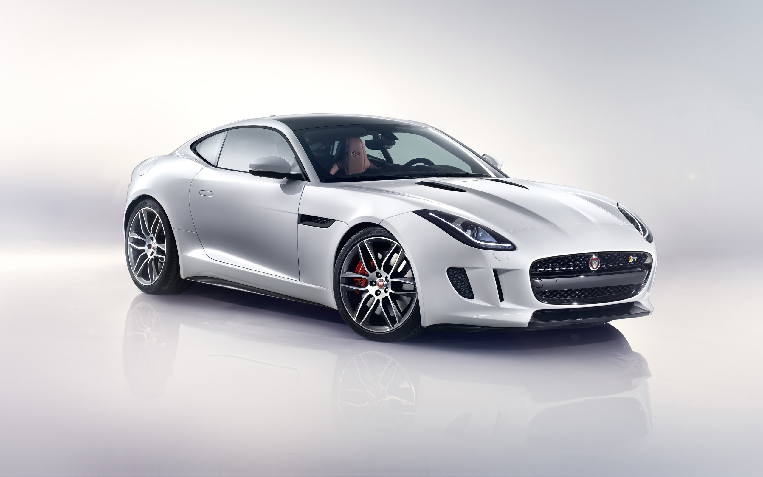 Jaguar F-Type R 2014 photo - 1