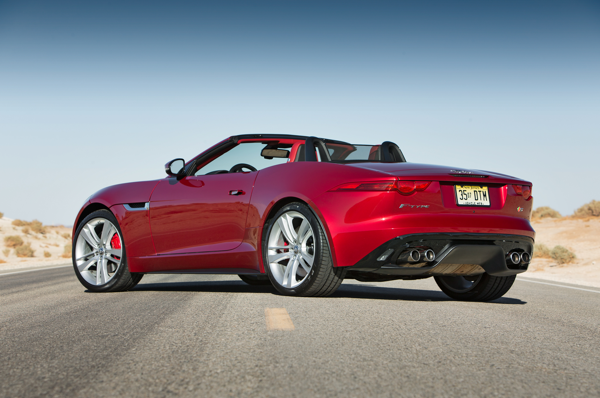 Jaguar F-Type S 2014 photo - 11