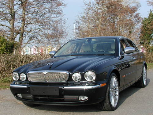 Jaguar XJ 4.2 2004 photo - 11