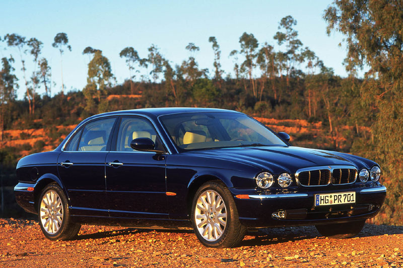 Jaguar XJ 4.2 2004 photo - 12